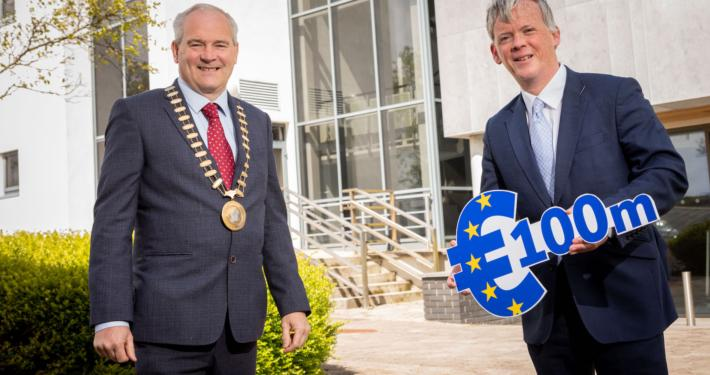 Caption: Director of the Northern & Western Regional Assembly David Minton with Cathaoirleach Cllr. David Maxwell. Picture: James Connolly